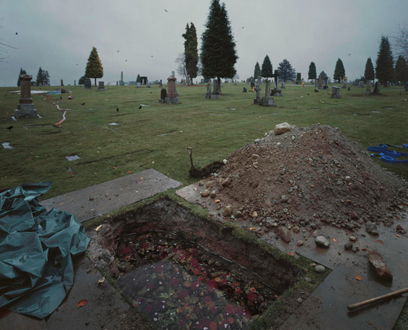 jeff-wall-flooded-grave